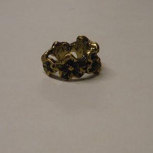 Jewelry - Wraparound Flower Fashion Ring